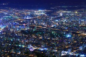 北海道札幌市の藻岩山から見る日本三大夜景の札幌市街地の写真