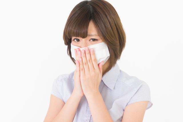 マスクをしている女性の写真